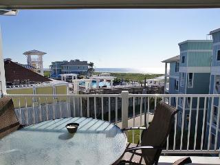 Beautiful Pointe West Condo next to Beach Club and beach!, Galveston