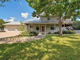 3BR Volente Retreat with Covered Patio & Fireplace, Sleeps 8, Leander