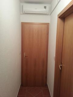 A4(2+1) krem: hallway
