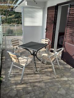A2(3): covered terrace