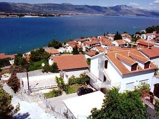 Croatia long term rentals in Split-Dalmatia, Ciovo Island