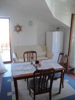 A2 -Hela (4): dining room