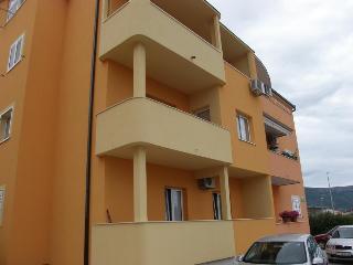35683  A1(4) - Kastel Stafilic