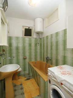 A1(6): bathroom with toilet