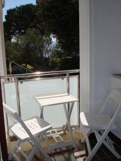 A4(2+2): balcony