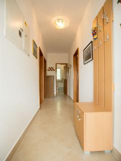 A1(5) : hallway