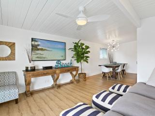 Fully Renovated Beach house-6 houses to sand w/ AC, Balboa Island