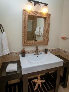 3-Beachcomber Suite vanity