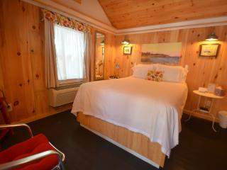 Squam Lake Cabin#7 of 12, for 2-4 Guests, Wolfeboro, near Lake Winnipesaukee