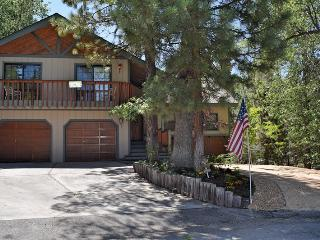 Sublime For-Rest - High End Neighborhood! Hot Tub!, Big Bear Region