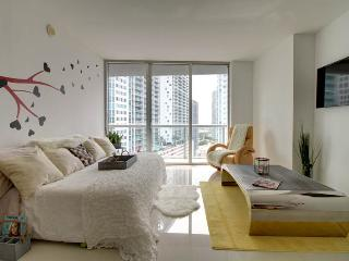 MIAMI'S BEST NEW CHARMING2 BEDS/1B, Miami