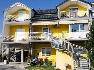 00705PAKO A5 Novi apartman(6+2) - Pakostane