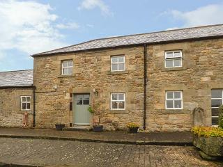 THE STABLES, pet friendly, country holiday cottage, with a garden in