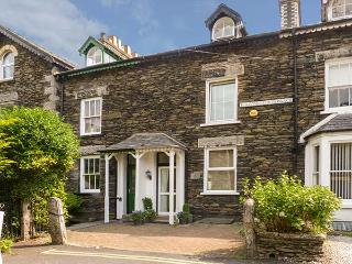 NUMBER 16, family friendly, luxury holiday cottage, with a garden in Bowness