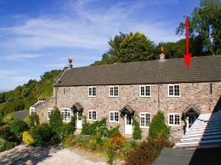 ROSE COTTAGE, end-terrace, woodburner, parking, patio, in Hallsands near Kingsbridge, Ref 915585, Beesands