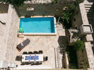 Villa Kala -house with pool, Makarska