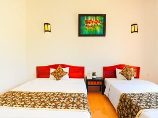 Galaxy Deluxe Twin Rooms in Hoi An city