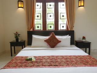 Galaxy Deluxe King Sized Bed Room in Hoi An city