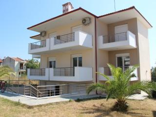 New comfortable apartment, 80m from sea, Nikiti