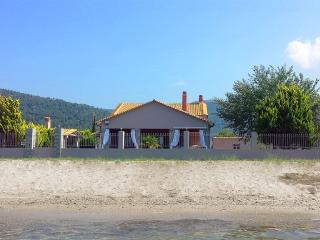 Unique Beach House, Ormos Prinou