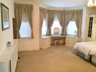 Spacious apartment 3 minutes to beach, Eastbourne