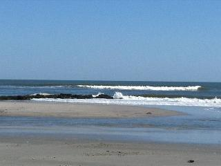 Beach Block Family Friendly 2BR Duplex, Brigantine