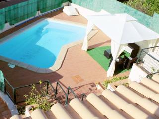 6 Bedroom Villa Sleeps 12 with Pool and Pool Table, Albufeira