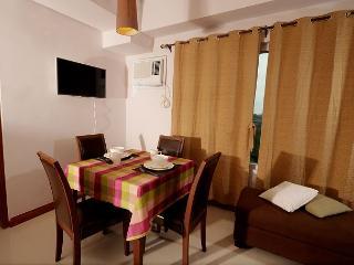 Cebu Philippines 1 Bedroom Vacation Condo - MILux1, Lapu Lapu