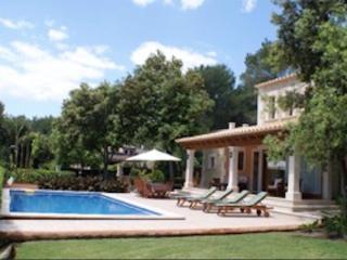 Stone Mallorcan style Villa with swimming pool., Sa Pobla