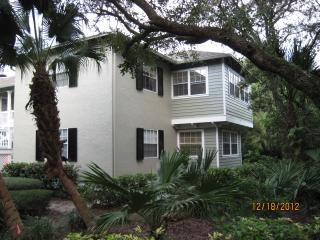 Lovely Sea Oaks Tennis Condo 5 minutes from beach