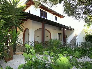 Villa smeraldo ( con piscina), Torre Suda