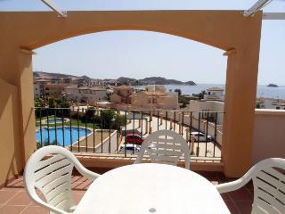 Costa Serena 402A -Incredible views,1 min to beach