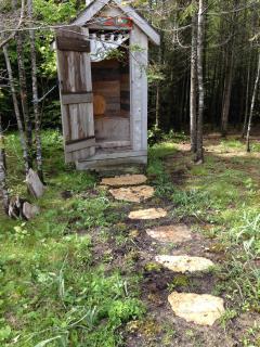 path to loo