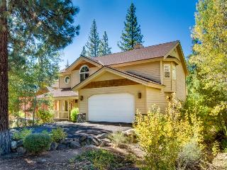 Huge resort home: NPOA access, room for 12!, Truckee