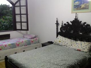 hostel casa na praia de piratininga, 30 min do Rio, Niteroi