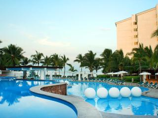 1BR Apartment luxury Beach Resort Puerto Vallarta
