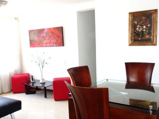 NICE APARTMENT WITH POOL, Medellin