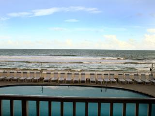 A+ Direct Oceanfront Condo & Unbeatable View!!, Satellite Beach