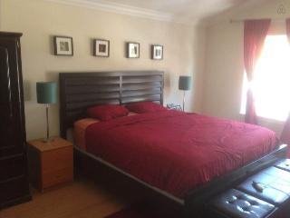 LA/Hollywood Luxury Master Suite in Shared House