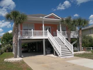 Cozy Upscale Beach House... a short walk to Beach, Garden City Beach