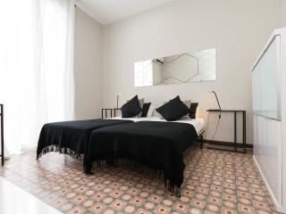 Casa Valencia 5 - Pau Claris, Barcelona