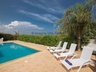 Falcon Villa 6, luxury villa with private pool