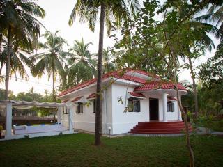 2BD Exclusive Holiday Villa, Galgibag beach, Goa, Canacona