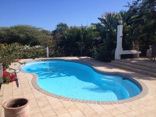 Hilltop Retreat 3-BR Villa & Optional 1-BR Apt, Vieques