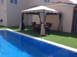 Villa Fanabe' con piscina privata, WIFI Gratis,, Playa de Fanabe