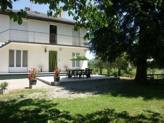 maison spacieuse avec grand jardin, Ayzac-Ost
