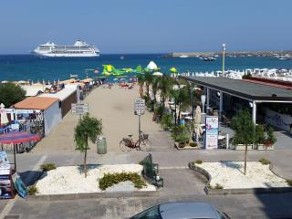"MEGAS IN ""appartamentinaxos.  it ""  FRONT SEA IN CENTRAL AREA, Giardini-Naxos"