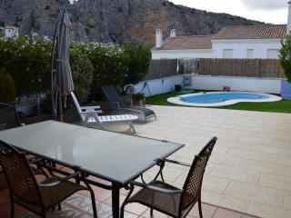 Bonita casa adosada con piscina privada, Montejaque