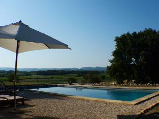 Authentique maison provençale avec piscine, Mazan