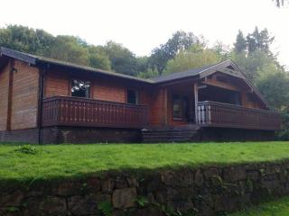 3 bedroom wooden lodges Southside Loch Awe